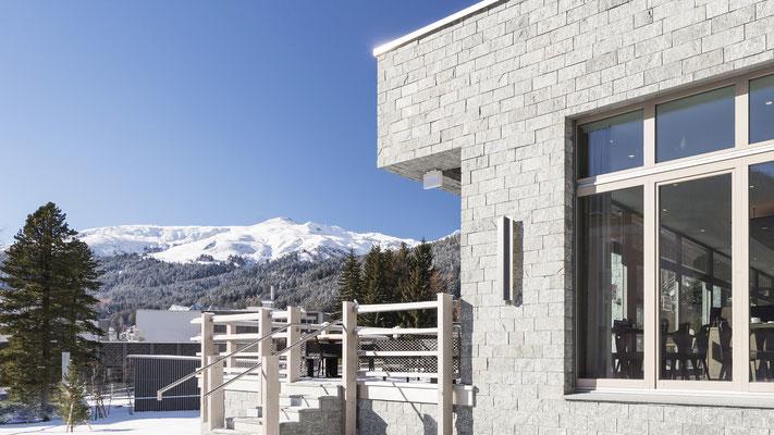 AMERON Swiss Mountain Hotel Davos - Sonderleuchten Hersteller ...
