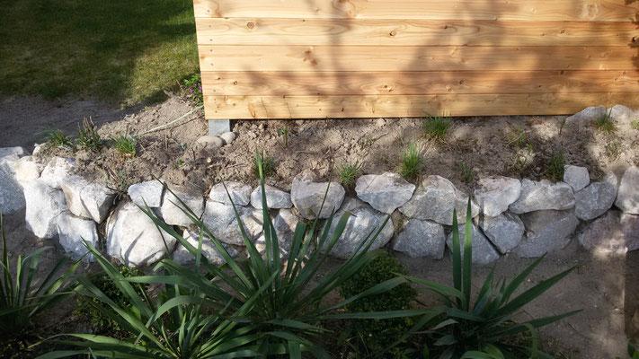 Die Steinformen passen, fehlen nur noch die Pflanzen...