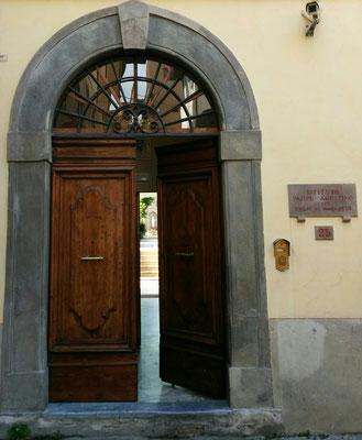 Casa Madre-ingresso-