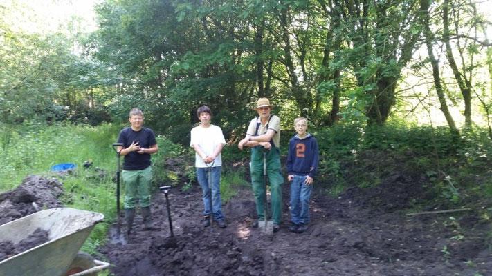 Zu- und Entwässerungsgräben grübbeln