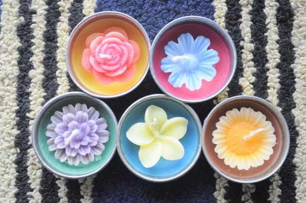 お花のキャンドル 各100円