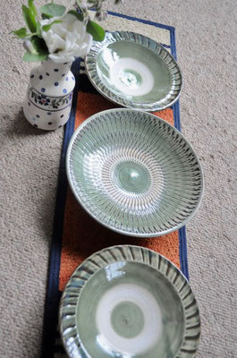 小鹿田焼 刷毛皿5寸¥1500/6寸皿¥2100