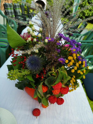 Andreas-Riedel Pauzers veidotās fantastiskās ziedu kompozīcijas. Bez tām mūsu svētki vairs nav iedomājami