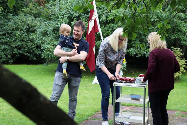Kur notiek kūkas dalīšana, tur arī jaunajai LBH paaudzei jābūt klāt:)