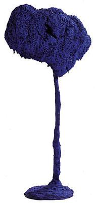 L'Arbre, grande éponge bleue, 1962 Pigment pur et résine synthétique sur éponge et plâtre  150 x 90 x 42 cm