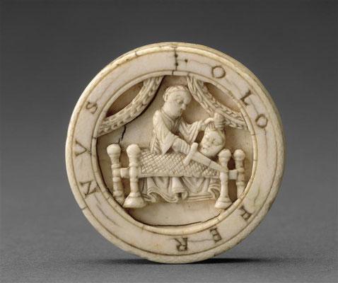 Pion de trictrac : Judith et Holopherne Credit:  Photo (C) RMN-Grand Palais (musée du Louvre) / Jean-Gilles Berizzi