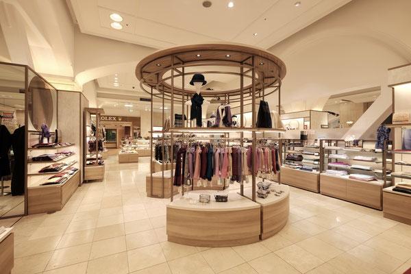 山形屋1階 婦人服飾雑貨(内装設計・施工・VMD)