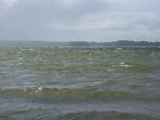 Der Sturm ist da, der See kocht