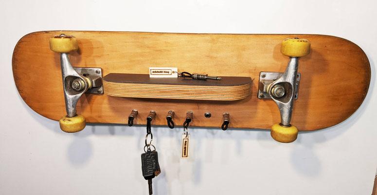 """Schlüsselregal aus Skateboard - Exklusiv von """"schönES Ding"""""""