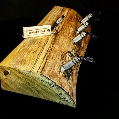 """Schlüsselboard aus Eichenholz mit Naturkante - Exklusiv von """"schönES Ding"""""""