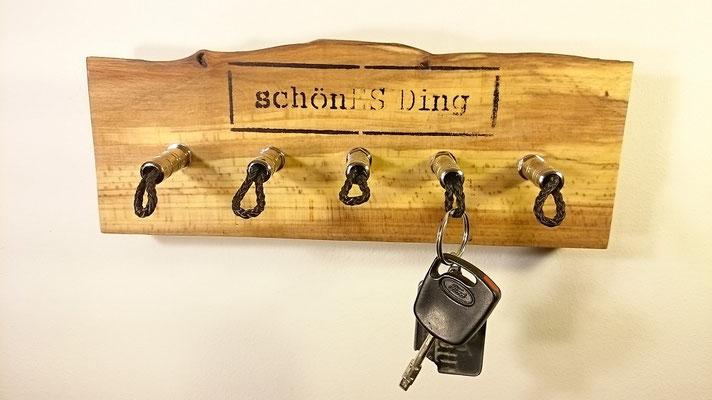 """Schlüsselbrett aus Holz - Exklusiv von """"schönES Ding"""""""