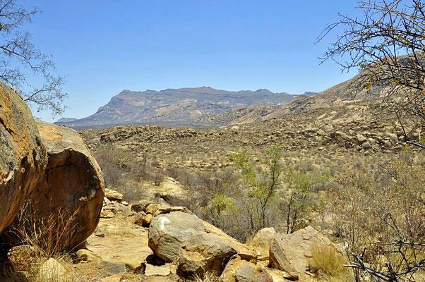 Blick über die Ameib Ranch.