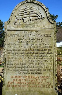 Grabstein auf dem Friedhof von St. Clemens.