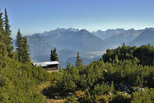 Blick vom Hahnenkamm bei Reutte / Österreich
