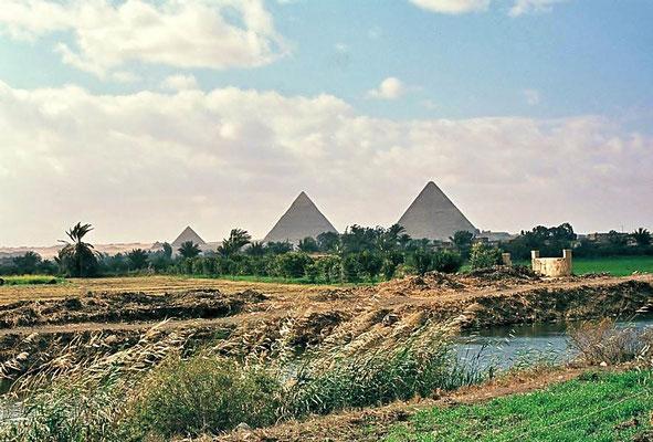 Pyramiden von Gizeh / Ägypten