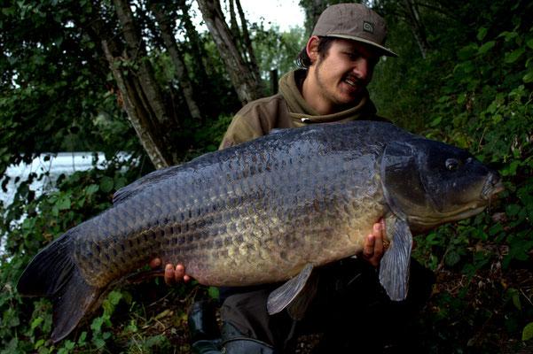 Dieser Fisch lieferte eine Power die seines gleichen sucht. Mit 28kg Deutsche Muskelmasse kein Wunder.