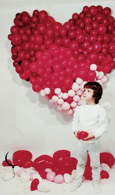 cuore palloncini san valentino allestimento ragazza servizio fotografico bambino angelo bacio