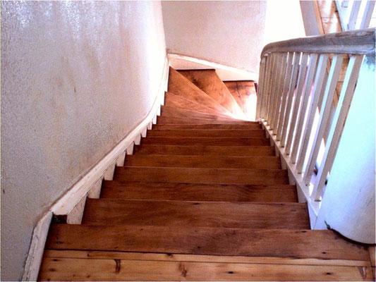 Treppen geschliffen mit Hartöl behandelt