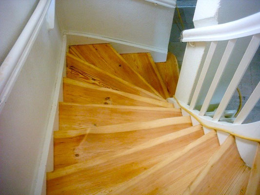 Acryl-Wasserlack Grundierung Aqua Primer Block CL auf Treppen