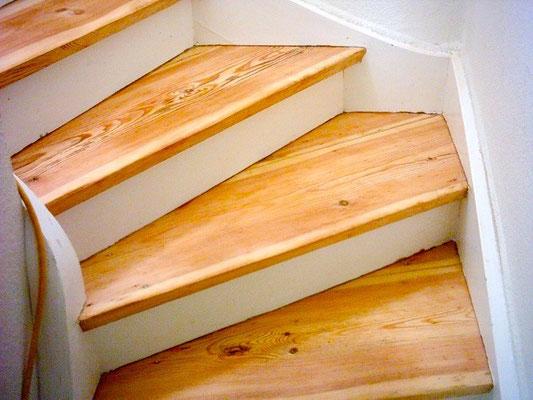 Acryl-Wasserlack Aqua Supra Versiegelung für Dielen und Parkett halbmatt auf Treppen