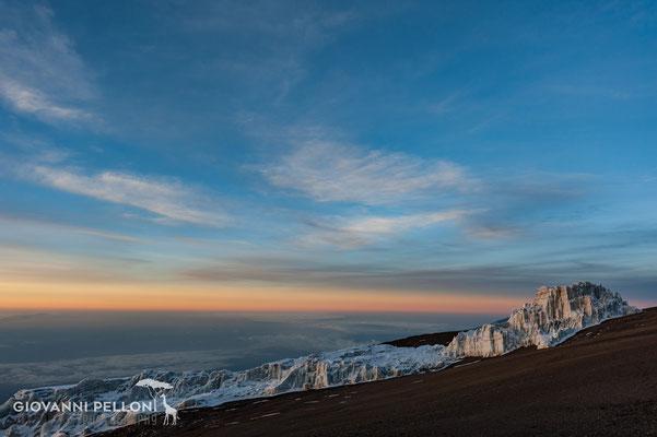 Sunrise near Uhuru Peak (5'895 m)