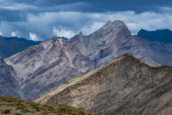 Zanskar - Mountains  along Lingshed trekking