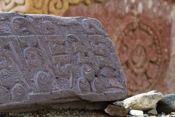 Ladakh - Lamayuru monastery - Mani stones
