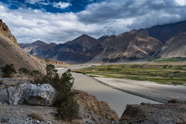 Zanskar - Zanskar river near Karsha