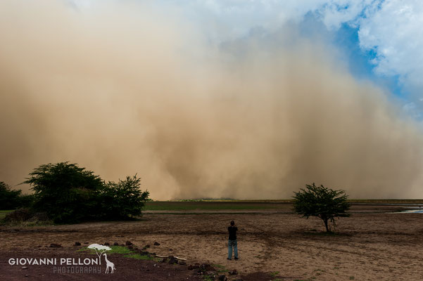 A sandstorm is approaching