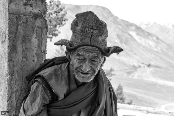 Zanskar - Old monk in the monastery of  Stongde
