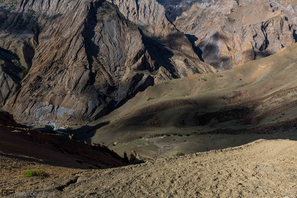 Zanskar - Mountains  along Lingshed trekking