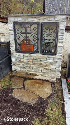Urnengräber Grabnischen mit Kunststein verkleidet von Stonepack Urnengräber aus Stein