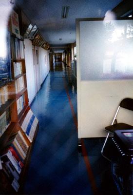 廊下/どこかの学校