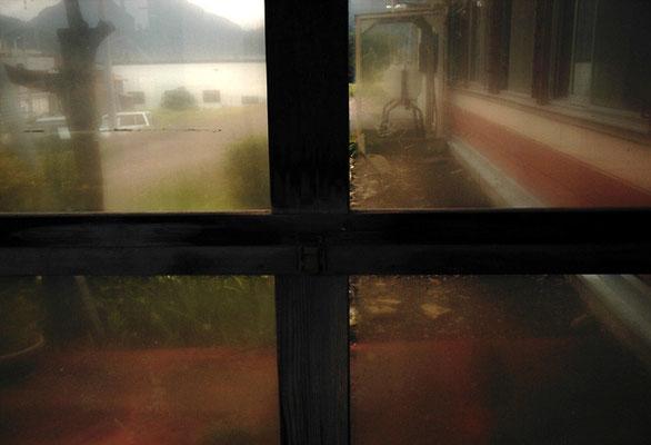 駅窓の向こう側I