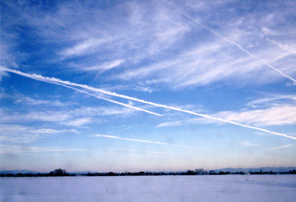 冬色の青空