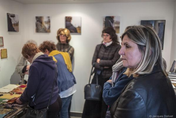 ©JD-L1009850-Hélène Benzacar, dans son atelier.