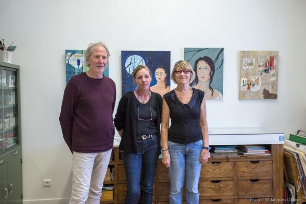 A l'atelier de Marie- José LE PAIH et Jacques CORNET. De gauche à droite : Jacques CORNET, Myckie, et Marie-José LE PAIH.