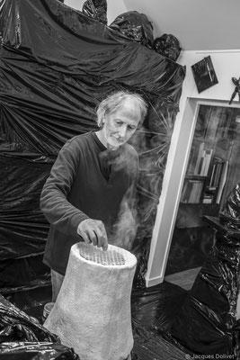 ©JD-L1009731-Jacques Cornet, en action dans son atelier.