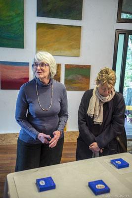 ©JD-L1009807-Françoise Lehay Brangoleau, dans son atelier, en compagnie de Corinne Tardieu Magnin.