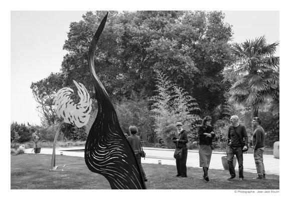 ©JJM-DSCF2931R-Parmi les travaux de Bruno Guihéneuf, Marthe Souris, Izabela Matoŝ, Jacques Dolivet et Jean-Pierre Ménard.