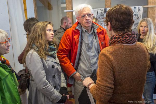 Chantal THERNISIEN, présente son travail, avec Françoise, Alice, et Jacques HAYOTTE, et Carole BECAM.