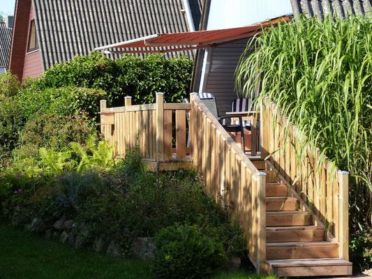 Aufgang vom Garten zur neuen Westterrasse