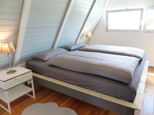 Das große Schlafzimmer zur Schlei ...