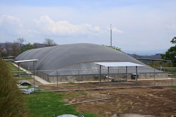 Biodigestor para gallinaza pura - aprovechamiento de guano en biodigestores / digester chicken droppings - manure