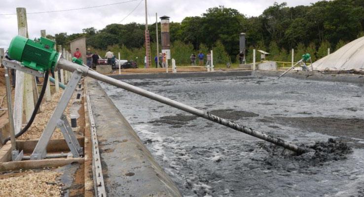 Agitadores tanques estiercoleros y para lagunas de oxidación