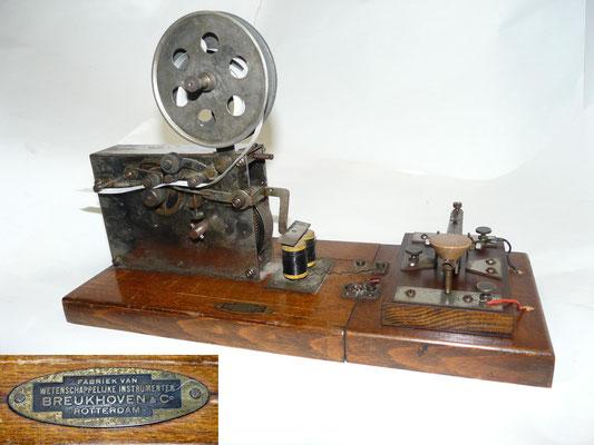 Morse inker. Made by Fabriek van Wetenschappelijke instrumenten  Breukhoven & Co. Rotterdam.