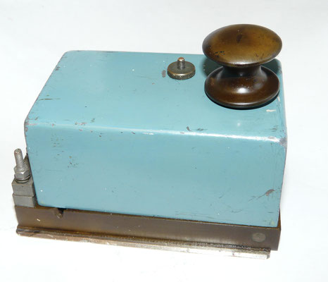 British Morse Telegraph Key .  Admy. Patt. 65485 (Navy) Serial No STR. 62