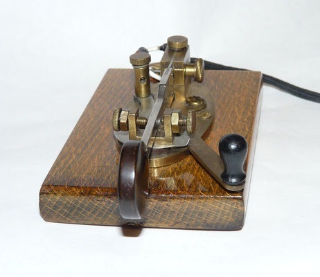 J.H. Bunnell & CO New york U.S.A.  The Double Speed Telegraph Key. DSK. Style W. 1904.  Sideswiper / Cootie key.
