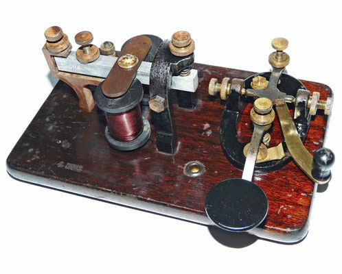 Key on Board. Telegraph key and sounder set. Made by Signal Electric