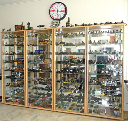 My collection of morse keys and telegraph apparaten.